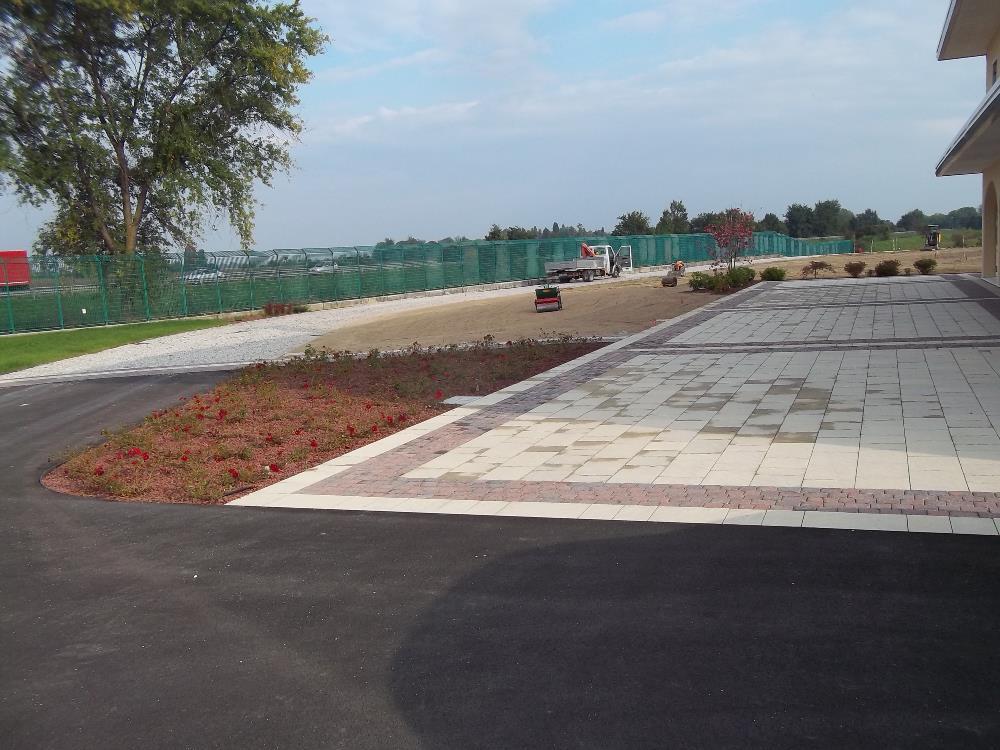 Realizzazione area verde Cantine Maschio